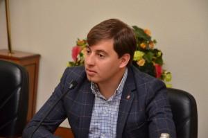 Игорь Давидович на беседе МГЕР