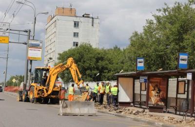 Варшавское шоссе благоустраивают по программе «Моя улица»