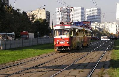 В Южном округе реконструируют трамвайные пути