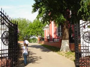 На территории Южного округа в ближайшее время станет на три православных храма больше