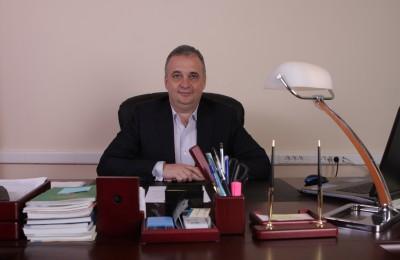 Депутат Михаил Горемыкин поздравил учителей с профессиональным праздником