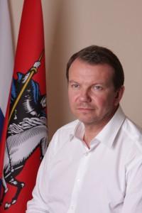 Михаил Львов: И депутаты, и жители с осторожностью относятся к введению платных парковок