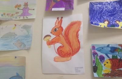 Выставку детских рисунков организовали в центре госуслуг в районе Нагатинский затон