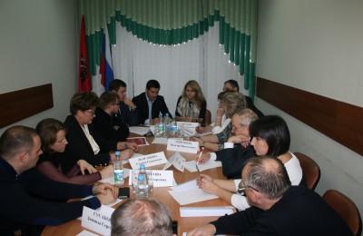 Представители Департамента транспорта Москвы рассказали депутатам нескольких муниципальных округов ЮАО о развитии парковок
