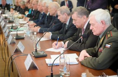 Социальные выплаты льготным категориям москвичей будут повышены
