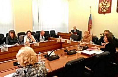 Столичные парламентарии рассмотрели в первом чтении законопроект, наделяющий муниципальных депутатов правами в сфере капремонта