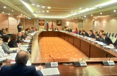 Закон о наделении муниципальных депутатов полномочиями в сфере капремонта приняли в столичном парламенте