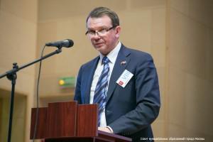 Глава муниципального округа Михаил Львов