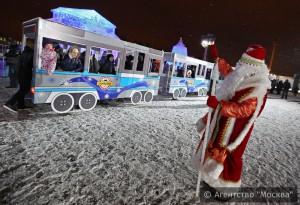 На Поклонной горе установили копию Москвы изо льда