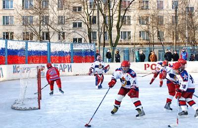 В рамках фестиваля «Путешествие в Рождество» жителей столицы научат кататься на сноуборде и играть в керлинг