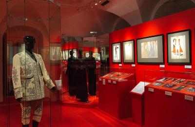 Выставку работ модельера Вячеслава Зайцева могут посмотреть жители Нагатинского затона