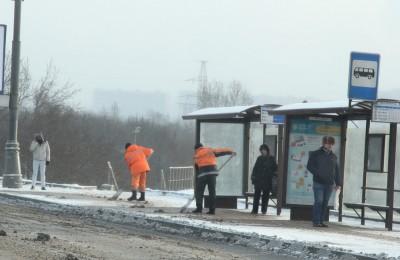 Более 700 единиц спецтехники задействуют для уборки от снега улиц и дворов ЮАО