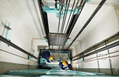 В 2016 году в домах Нагатинского затона установят 36 новых лифтов