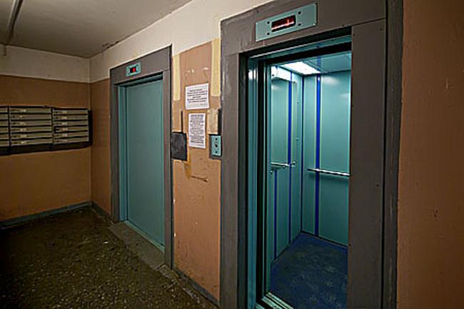 36 лифтов заменят в многоквартирных домах Нагатинского затона в этом году