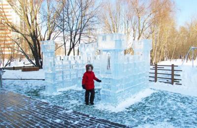 Парк ледяных скульптур появился в Нагатинском затоне