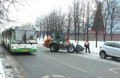 Более 800 тысяч кубометров снега вывезли с территории ЮАО с начала зимнего сезона