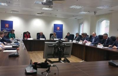 Муниципальные депутаты Москвы поддержали расширение списков льготников на капремонт