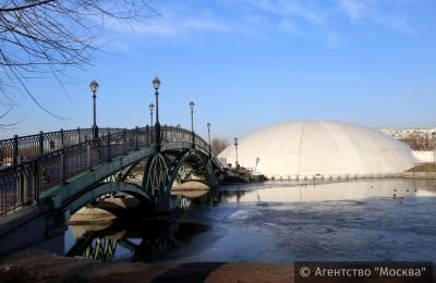 С фонтана в музее-заповеднике «Царицыно» сняли защитный купол