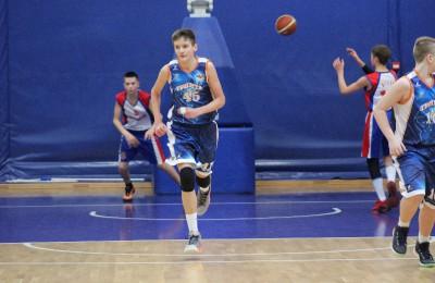 """Баскетболисты """"Тринты"""" на одном из соревнований"""