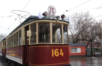 "Вагон ""Аннушка"" на параде трамваев"