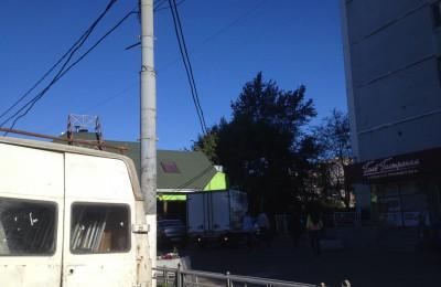 На проспекте Андропова демонтировали незаконные рекламные конструкции