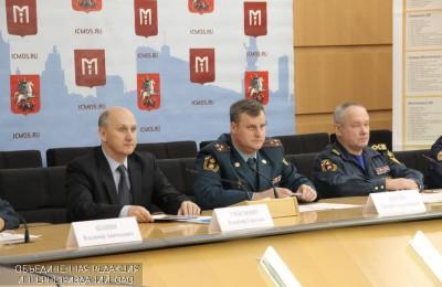В Москве на водоемах зимой постоянно будут дежурить 120 спасателей