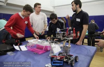 За звание лучших робототехников поборются более 40 команд со всей Москвы