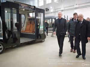 Сергей Собянин во время осмотра одного из технопарков в Москве
