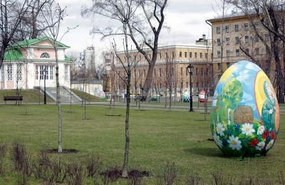 Новая парковая зона отдыха появилась у здания Мосгордумы