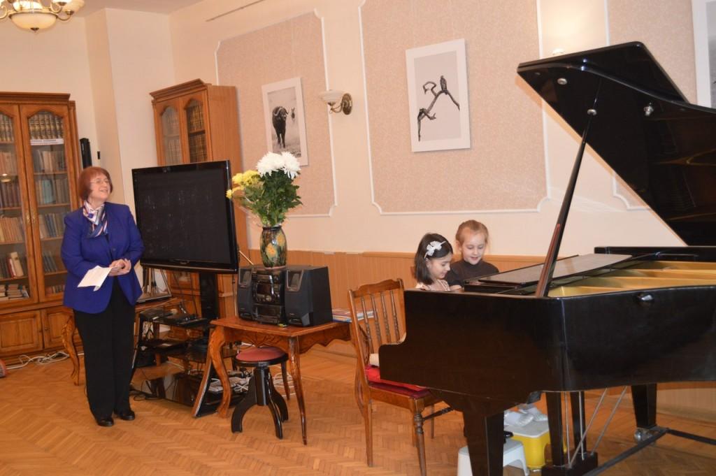 """Концерт  в """"Симоновке"""". Фото: из архива библиотеки"""