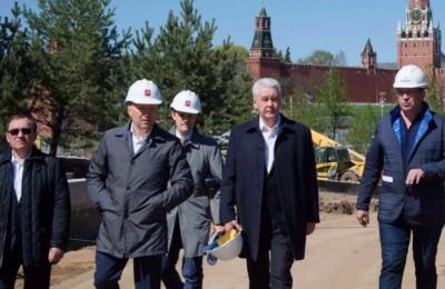 Сергей Собянин осмотрел ход строительства парка «Зарядье»