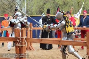 В парке Коломенское состоялся рыцарский турнир святого Георгия.