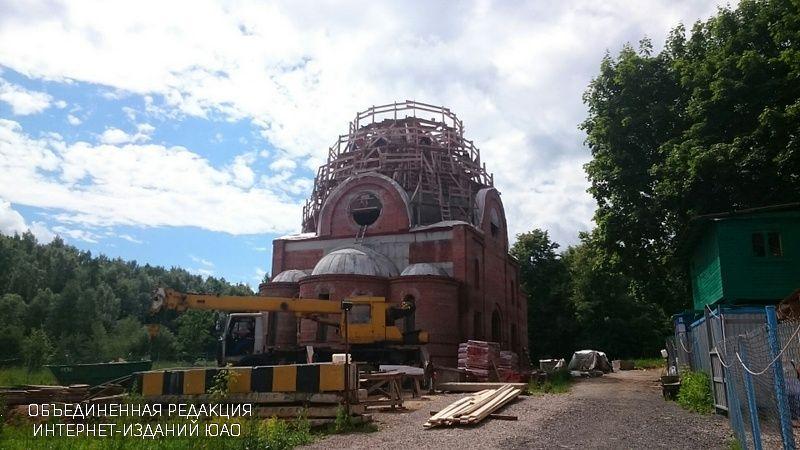 Строящийся храм в районе Чертаново Центральное
