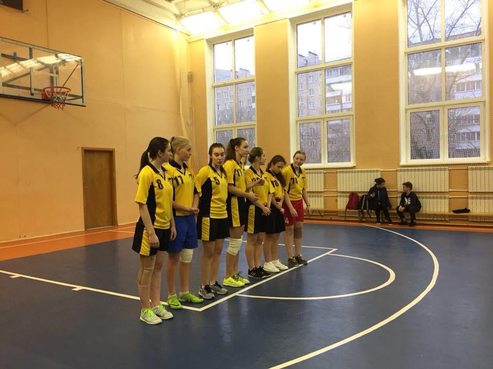 Баскетболистки школы №;463