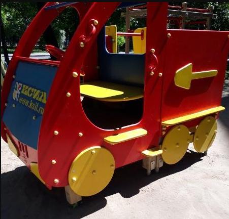 Отремонтированная детская машинка