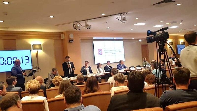 Встреча кандидатов на пост мэра Москвы с муниципальными депутатами