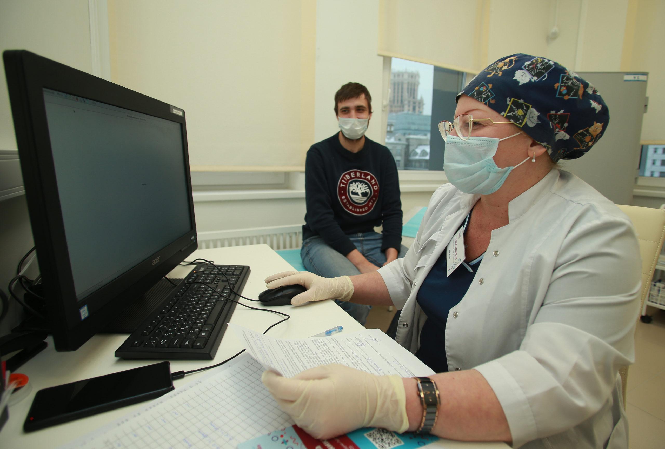 В столице расширен список категорий граждан для вакцинации от COVID-19. Фото: Наталия Нечаева, «Вечерняя Москва»
