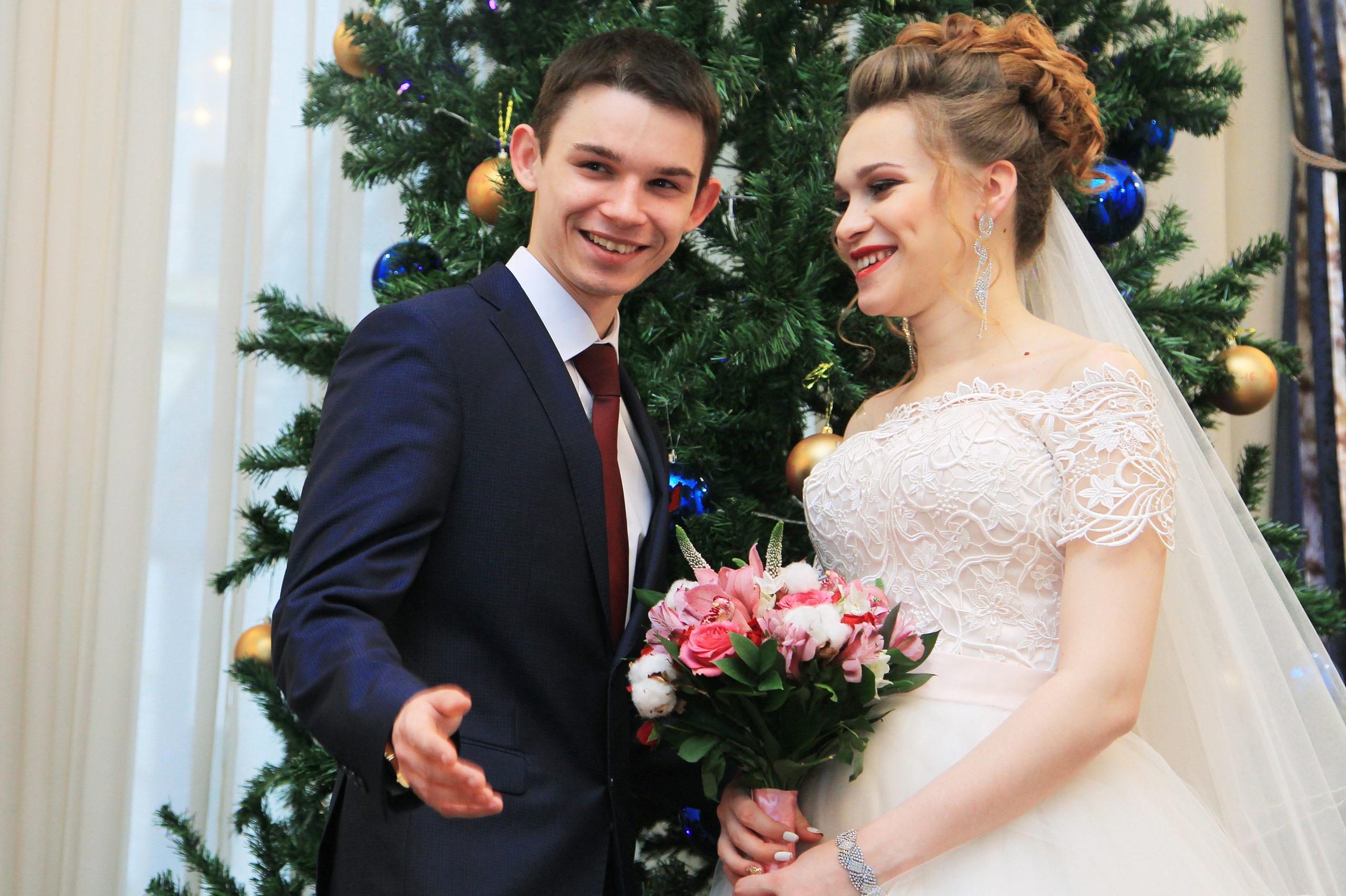 В Москве за 20 лет более 12 тыс пар заключили брак в новогодние праздники. Фото: Наталия Нечаева, «Вечерняя Москва»